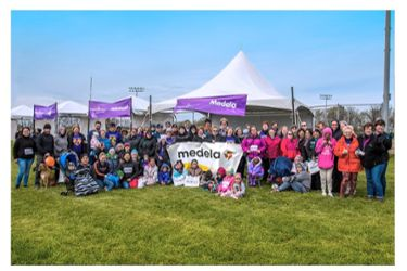 Medela team members participating in March of Dimes walk